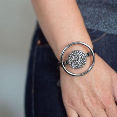 dansk-smykkekunst-samantha-bracelet-hematite-plating-1