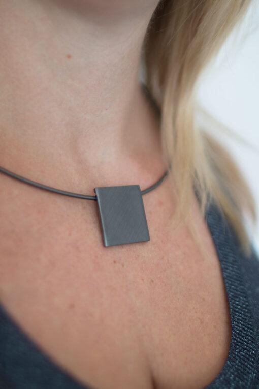 Dansk Smykkekunst Theia Square Necklace Hematite Plating